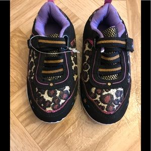 Animal print little girl shoes size 6